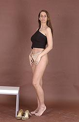 Slim & busty newcomer babe Zuzana D's hot casting video